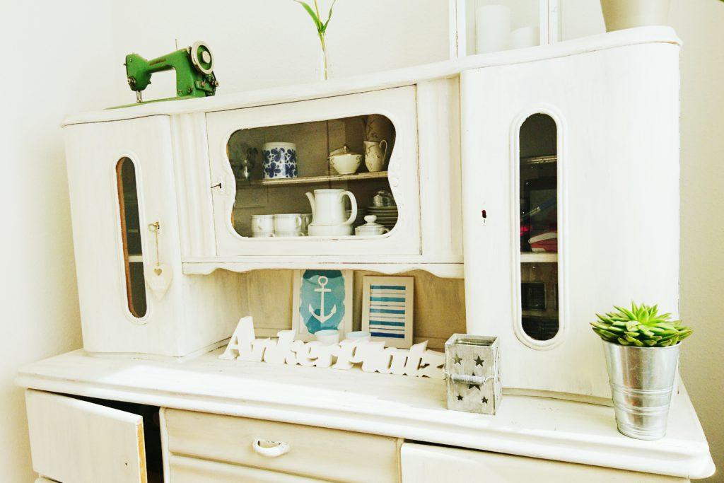 m bel mit kreidefarbe chalk paint aufarbeiten chaosmitstil. Black Bedroom Furniture Sets. Home Design Ideas